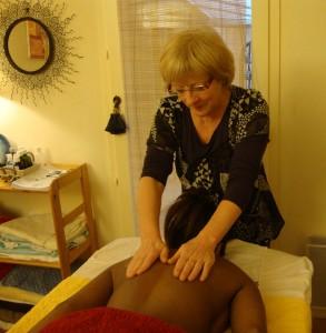 Séances au cabinet : massages ou magnétisme  cc-DSC00885-293x300